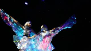 Glow wings dance duo